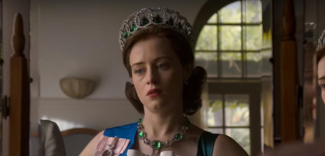 """Claire Foy jako królowa Elżbieta II w serialu """"The Crown"""""""