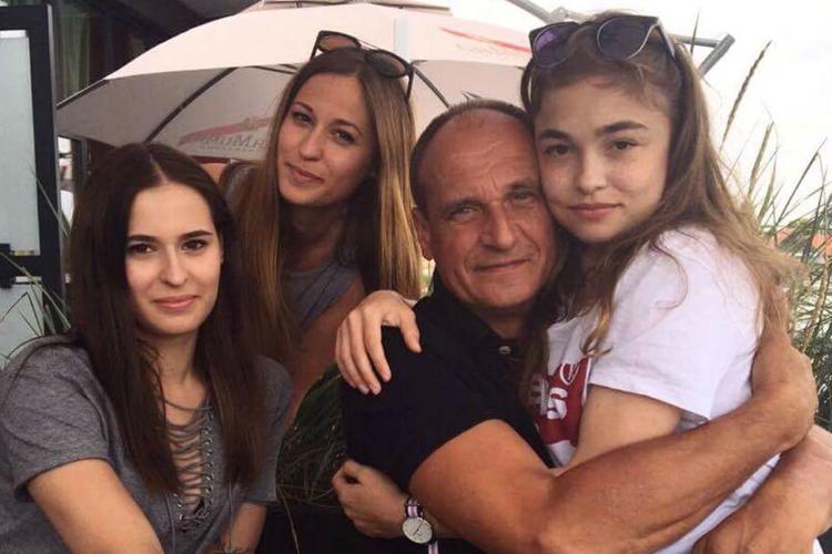 kukiz z córkami