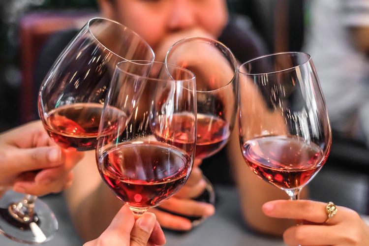 Czerwone Wino Może Być Lekiem Na Otyłość Chillizet