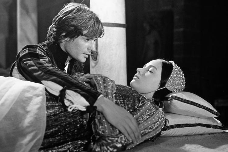 """kadr z """"Romea i Julii"""" reż. Franco Zeffirelli"""