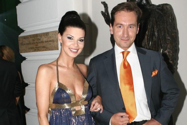 Edyta Górniak w sukni balowej i Piotr Kraśko w garniturze razem na gali