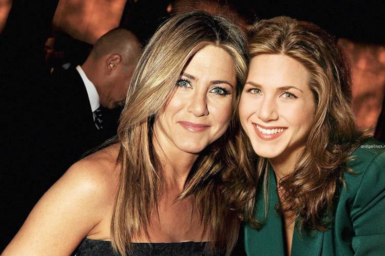 Jennifer Aniston na zdjęciu ze swoim młodszym wcieleniem