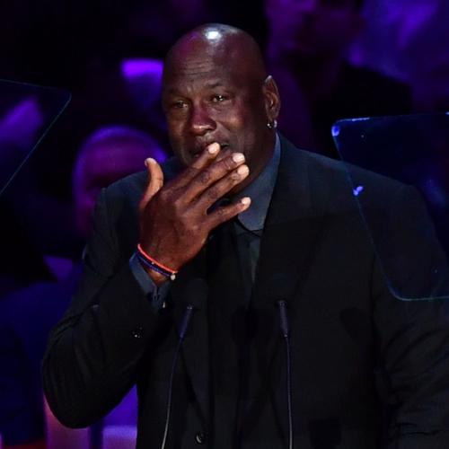 Michael Jordan zapłakany na scenie podczas pożegnania Kobego Bryanta