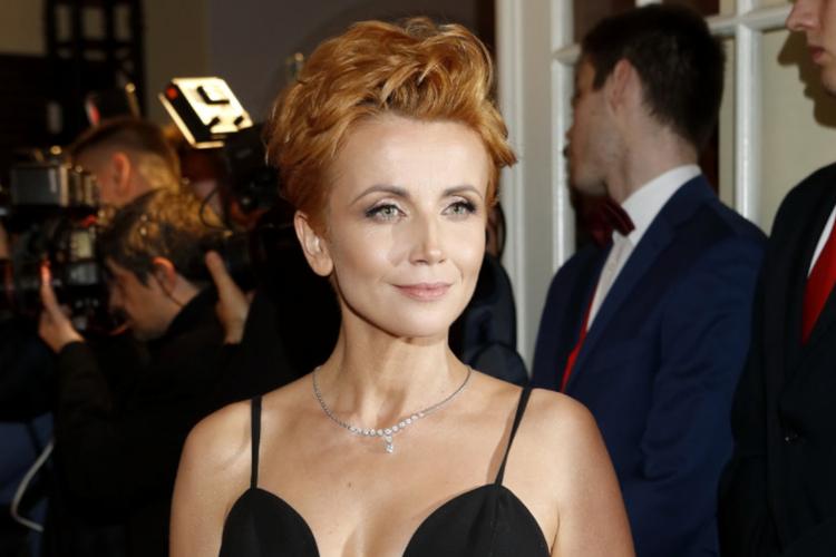 Katarzyna Zielińska w czarnej sukience na rozdaniu Telekamer 2020