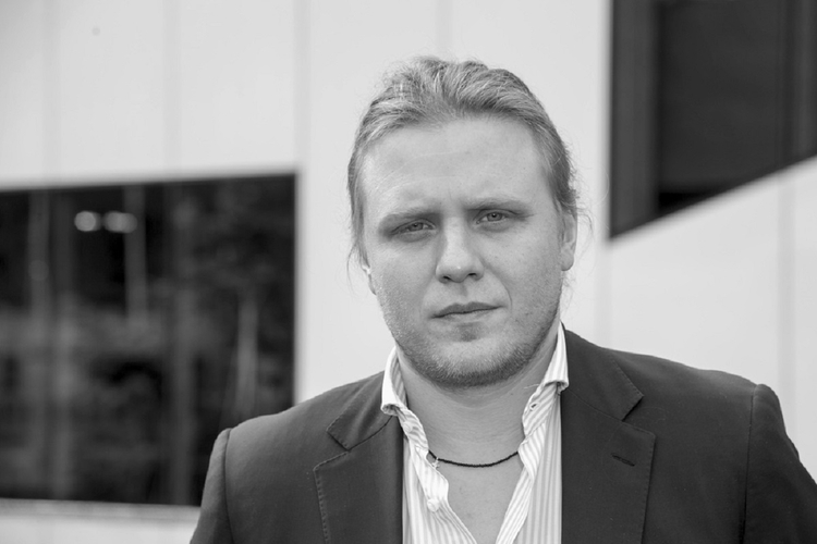Kim był Piotr Woźniak-Starak?