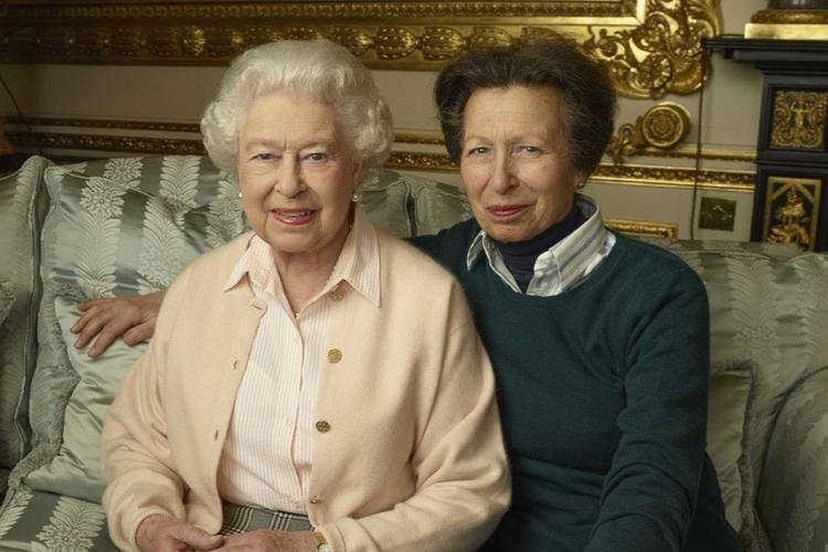 Królowa Elżbieta i księżniczka Anna