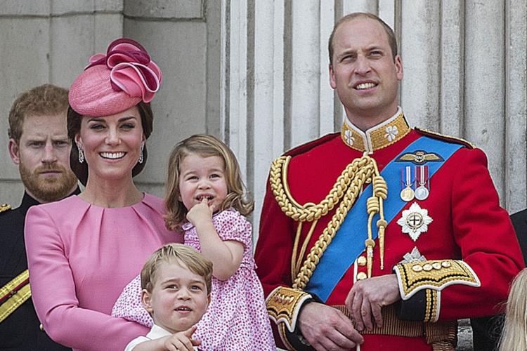 Księżna Kate, książę William, księżniczka Charlotte i książę George
