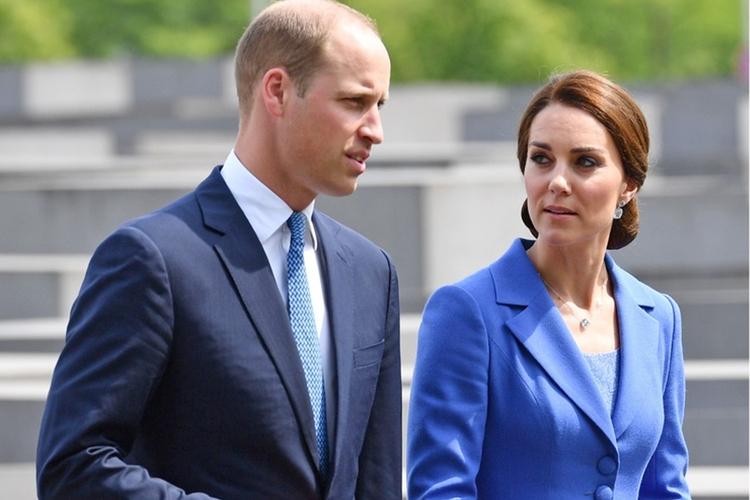 Księżna Kate i książę William rozmawiają ze sobą