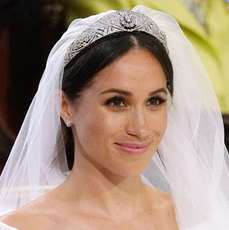 Księżna Meghan w tiarze i welonie podczas ślubu