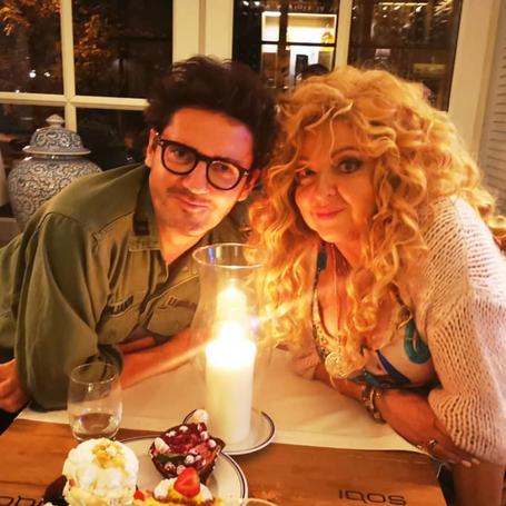 Kuba Wojewódzki i Magda Gessler jedzą razem kolację przy świecach