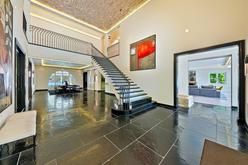 Hall w posiadłości Meghan i Harryego w Malibu Hall