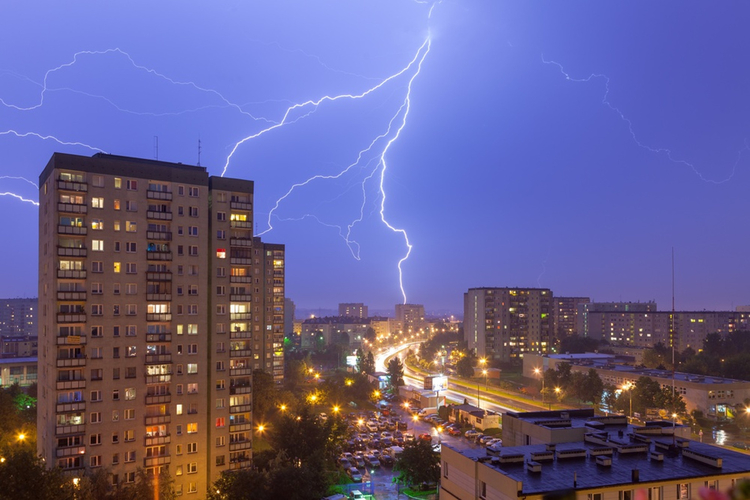 burza nad blokowiskiem