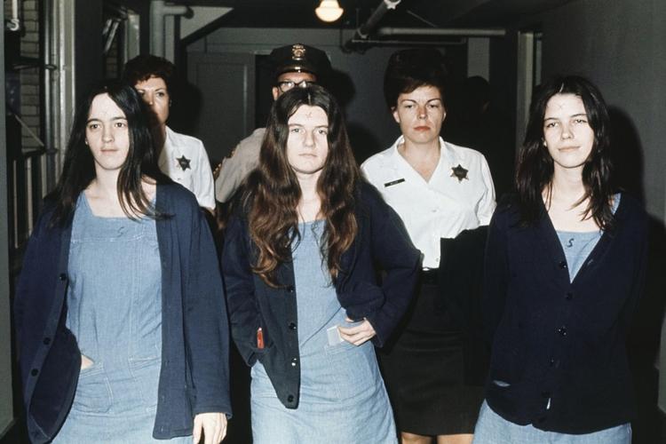 """""""Kobiety Mansona"""": Susan Atkins, Patricia Krenwinkel i Leslie Van Houten podczas procesu w 1970 roku"""