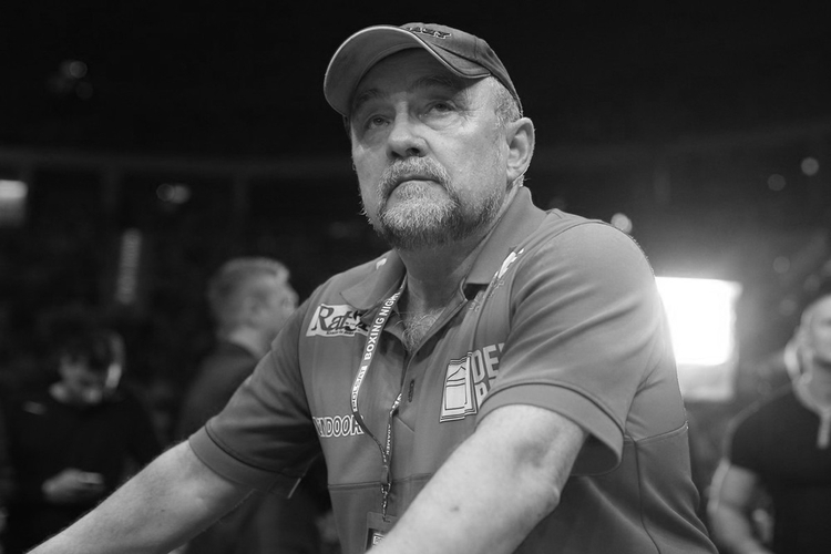 Andrzej Gmitruk na ringu bokserskim