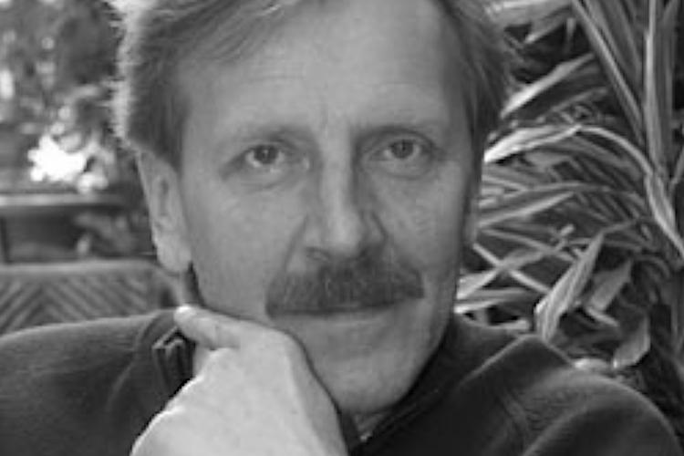 Jerzy Dominik w marynarce