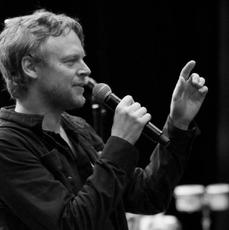 Nie żyje znany kanadyjski muzyk Julien Gauthier .