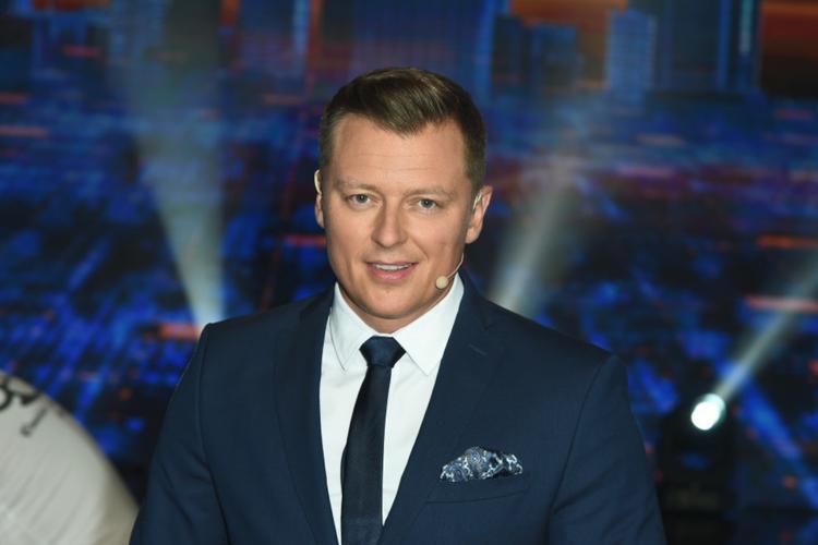 """Rafał Brzozowski ma piękną partnerkę. Pozowała w """"Playboyu"""", teraz zagra w  serialu TVP - Chillizet"""