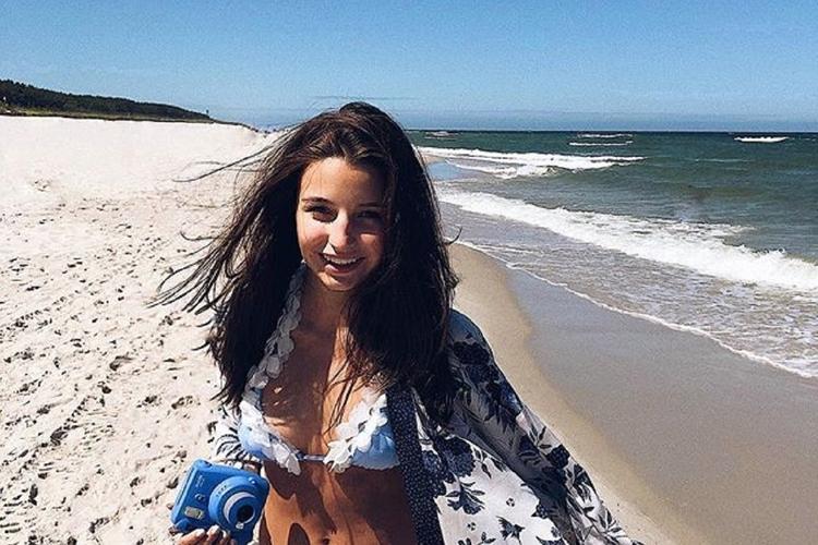 Julia Wieniawa na wakacjach w bikini