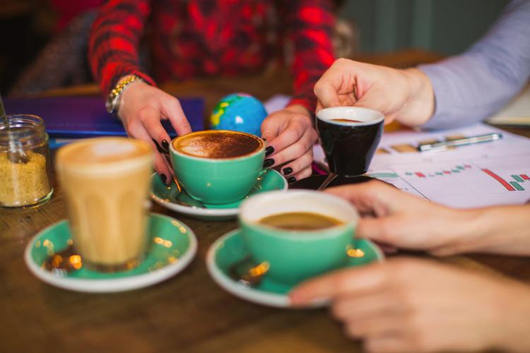 Polska sieć kawiarni chce rywalizować ze Starbucksem. Jej pomysły mogą zaskoczyć