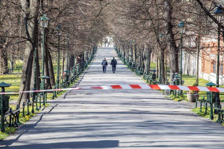 Koronawirus w Polsce: parki znów zostaną otwarte