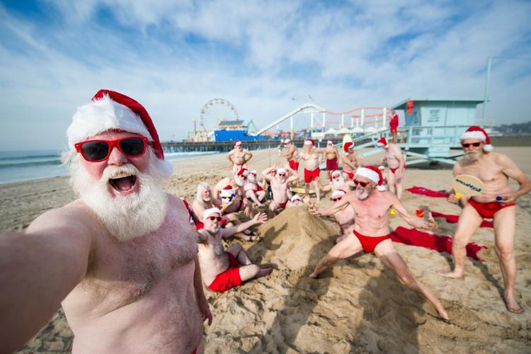 Mikołaje na plaży