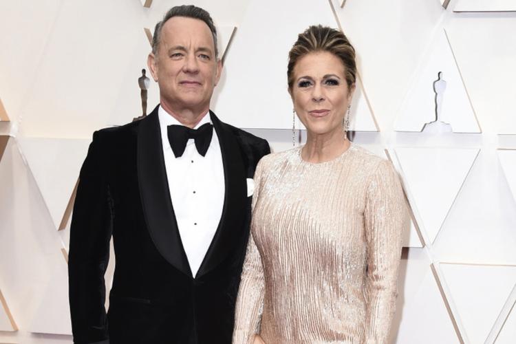 Tom Hanks i jego żona Rita Wilson na czerwonym dywanie przed galą rozdania Oscarów