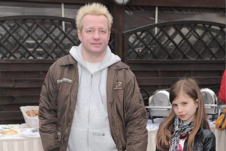 Robert Leszczyński z córką Vesną w 2013 roku