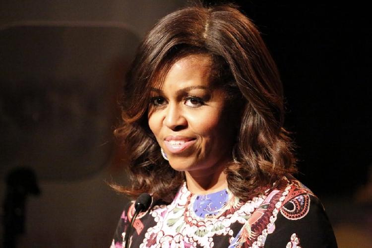 Michelle Obama - jak Pierwsza Dama wygląda w naturalnych włosach?