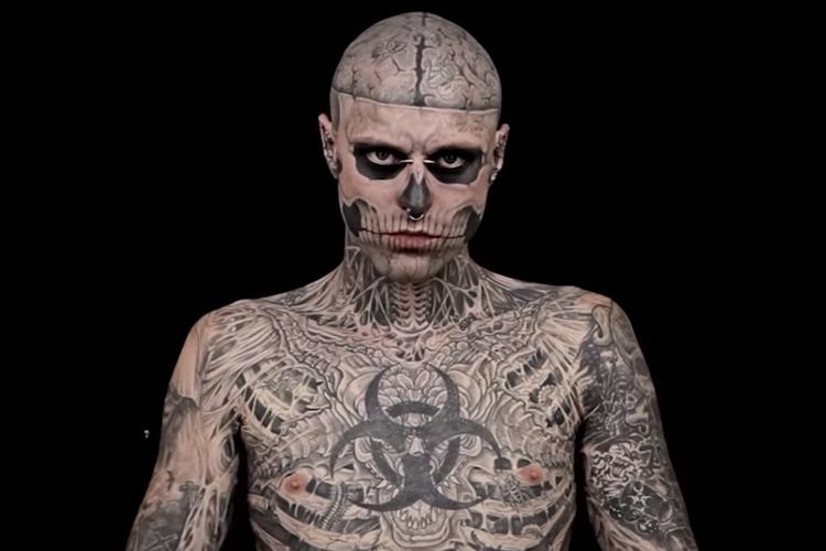 Zombie Boy w tatuażach w kampanii, w której pokazał się bez nich.